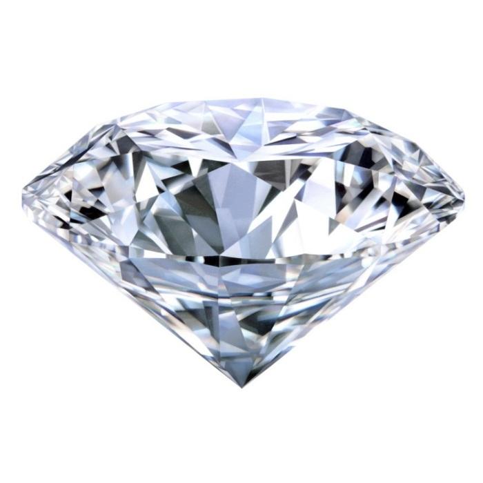 Kim cương tự nhiên có độ lấp lánh và tính khúc xạ ánh sáng rất tốt